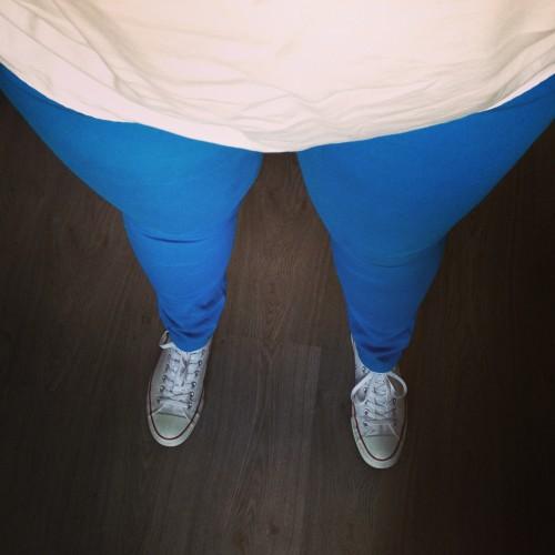 26 juni 2014: Nog een kledingstuk-overwinning, ik pas mijn gave blauwe broek weer