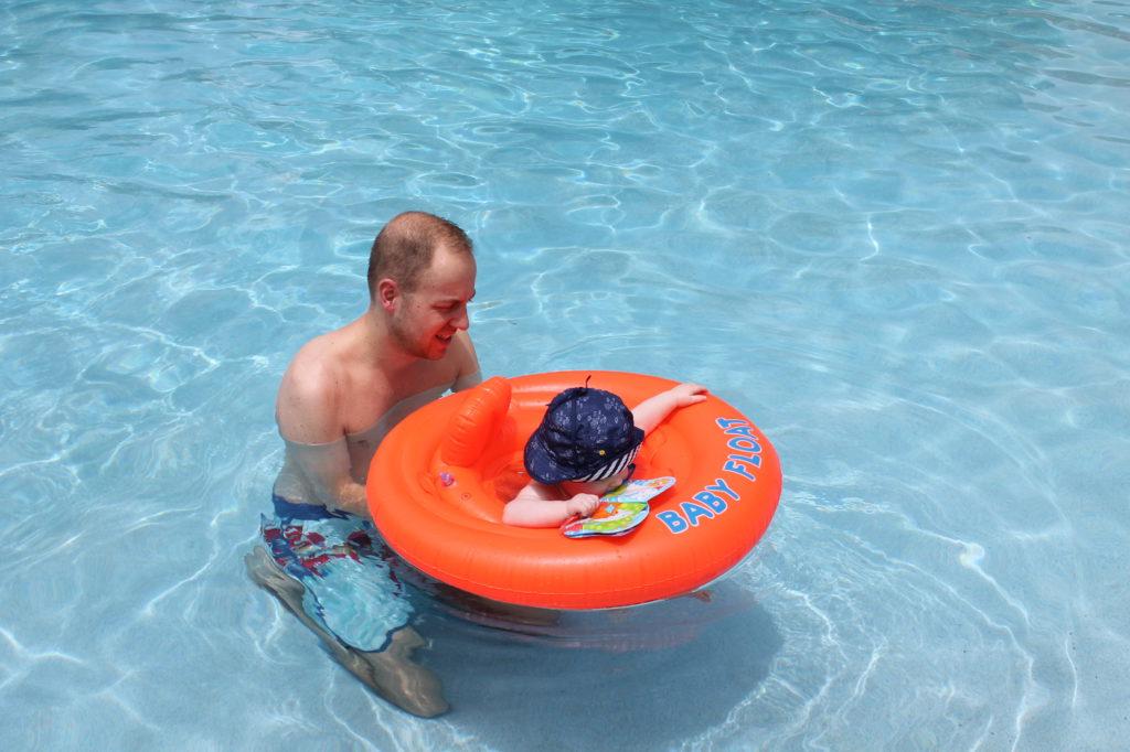 Zwemmen met papa