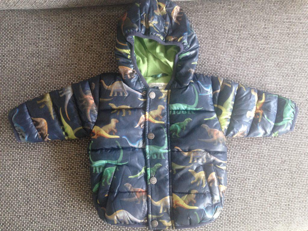 Oliver's winterjas is in ieder geval al binnen. Deze leuke jas komt van NEXT.