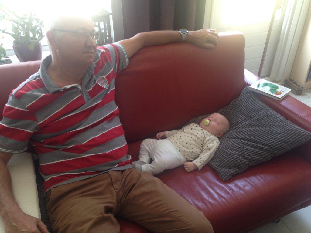 Niels & ik gingen een nachtje naar Bergen aan Zee met zijn tweeen. Oliver's allereerste keer uit logeren. Ik vond het spannend. Opa en oma hebben zich prima vermaakt met die kleine :)