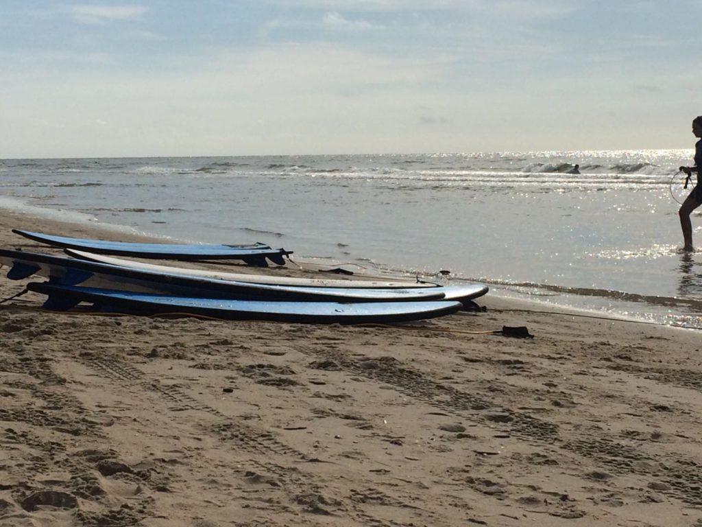 We maakten een strandwandeling en lunchten op het strand