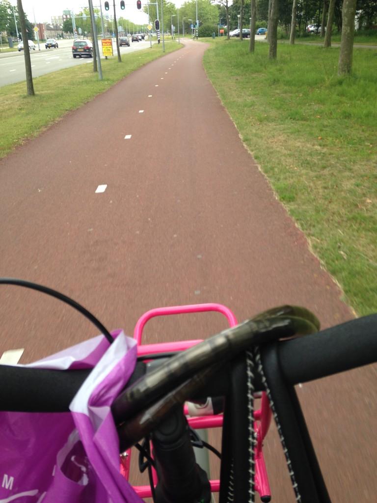 Op de fiets weer naar huis. Het is gewoon koud op de fiets!