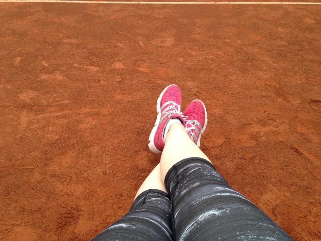 Met mijn basketbalteam gingen we een middag tennissen. Erg leuk om te doen. Helaas was het   niet heel lekker weer, dus mijn melkflessen konden niet even bijbruinen